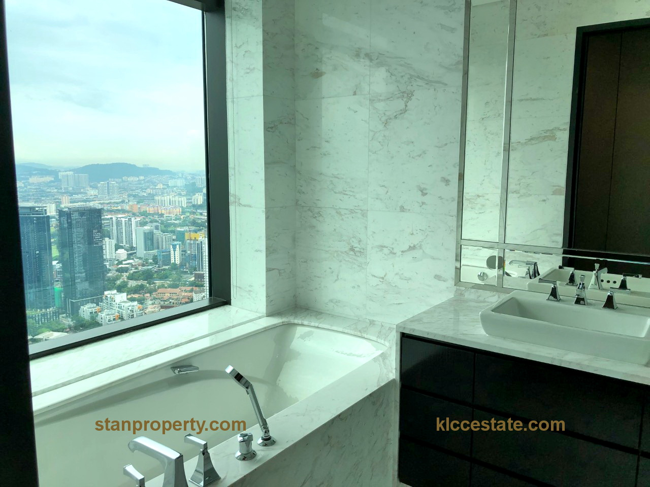 Four Seasons Condo Extensively Renovated
